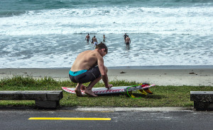 Surf Waiheke Waxing board cropped JL