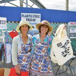 Plastic Free BYO Marta Fisch and Deb Lyttle giving free BYO BAGS to customers arriving at Countdown SUP