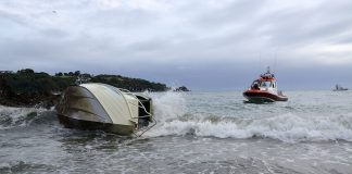 Boat washed up on Little Oneroa